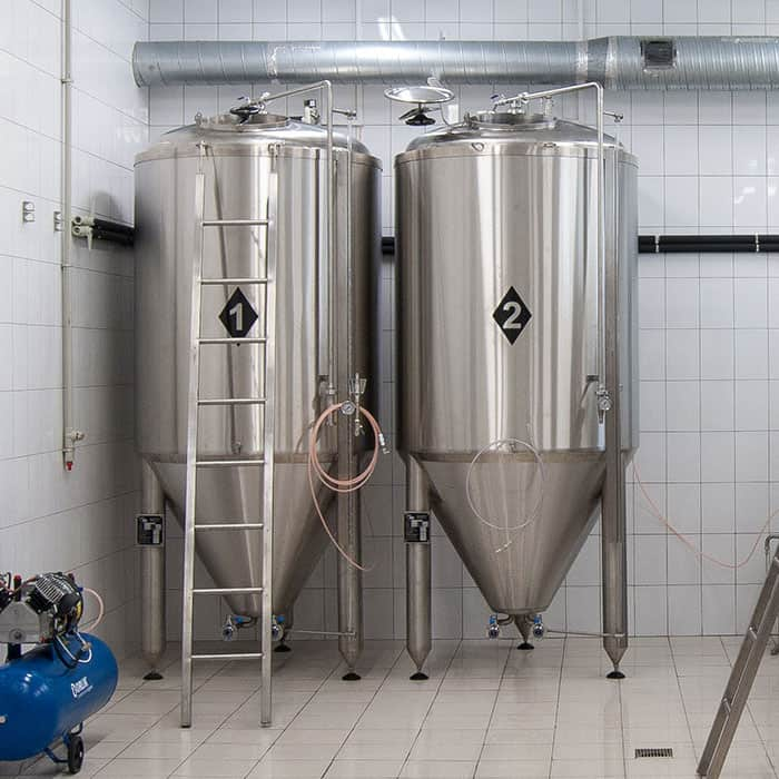 CCT Cylindrically-conical fermentation tanks - universal fermentors for production of beer and cider