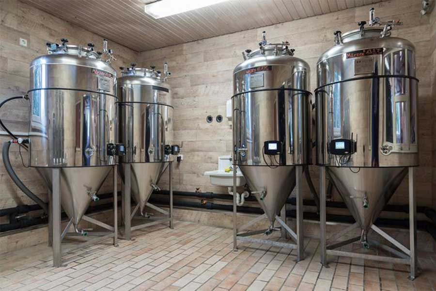 Cylindrically-conical fermenters