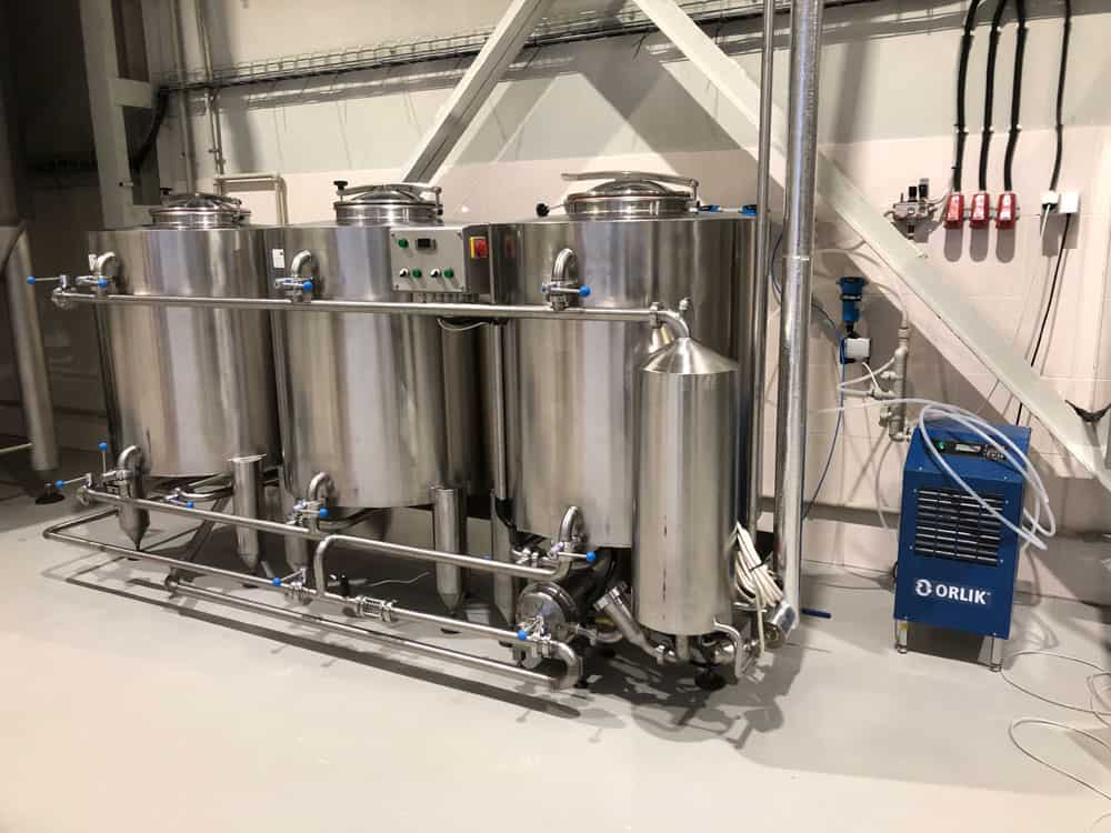 CIP-1003 Cleaning-In-Place machine for media-size breweries and other food processing lines
