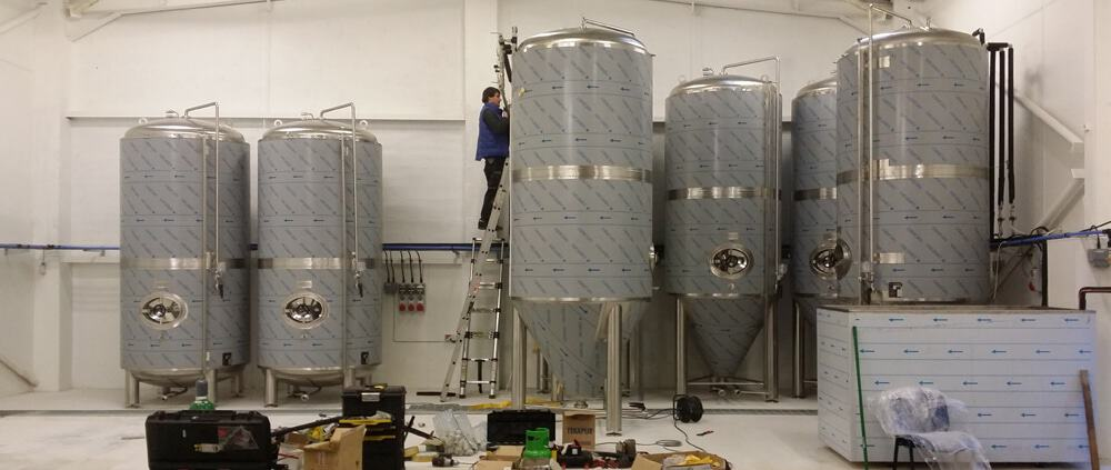 cylindrical-conical-fermenters-1000x600-truro2016